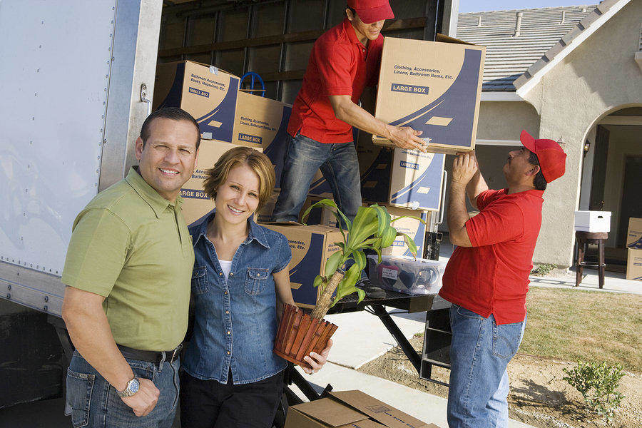 Moving within Canada or to the US – Hiring a reputable moving company