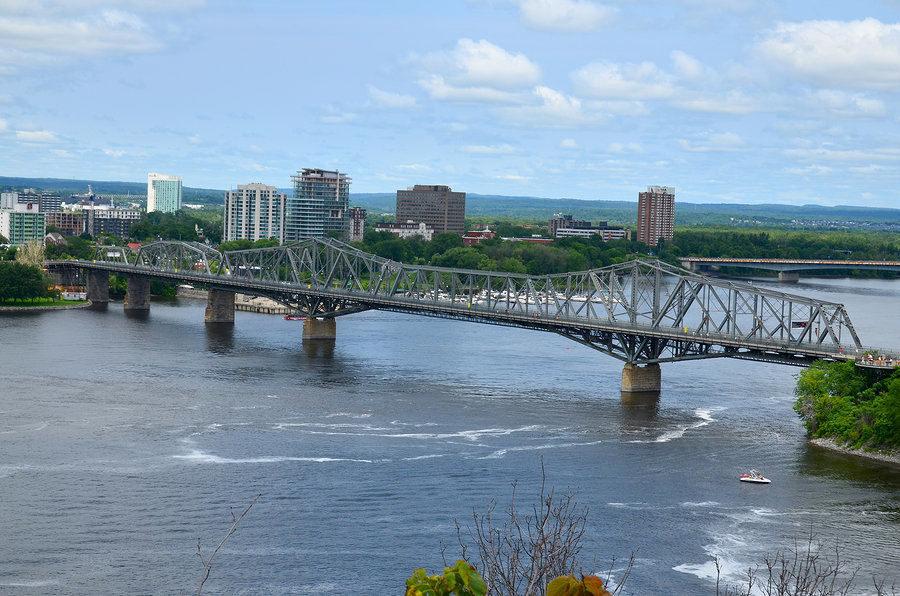 The Ottawa River separates Ottawa, Ontario and Gatineau, Quebec