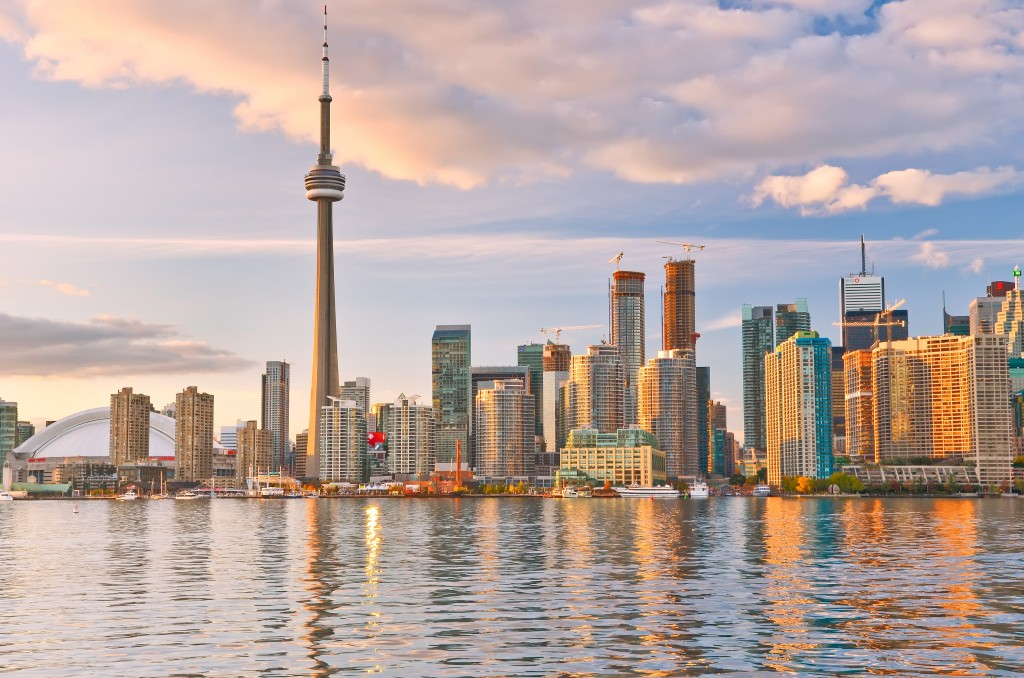 Local moving and international moving in Toronto