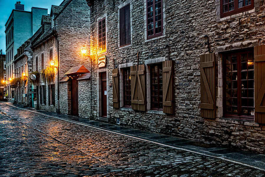 Romantic cobble-stoned streets in Old Quebec city at night