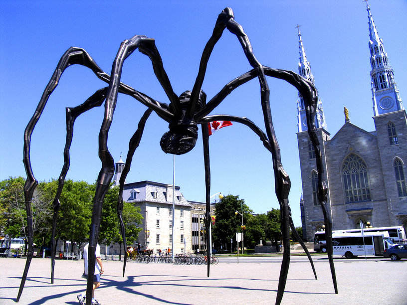 Maman bronze sculpture by Louise Bourgeois 30 ft high located at the National Gallery of Canada in Ottawa By John Talbot - originally posted to Flickr as Giant spider strikes again!, CC BY 2.0