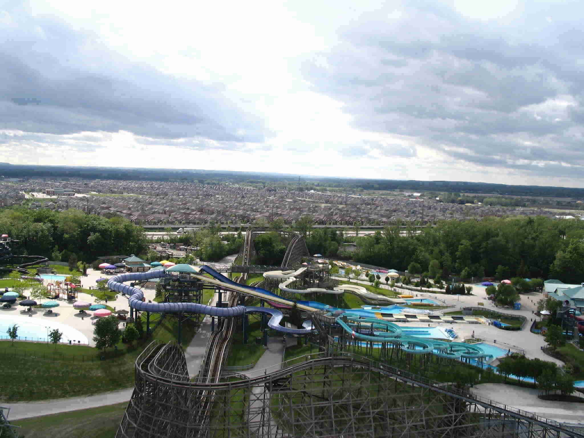 Vaughan as viewed from Behemoth (Canada's Wonderland) By Loozrboy - http://www.flickr.com/photos/loozrboy/2546962668/, CC BY-SA 2.0