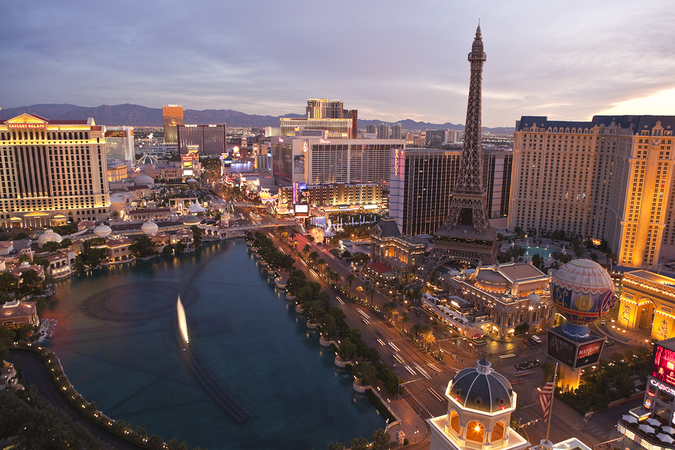 Enjoy dazzling sights of Las Vegas – Move to the City of Lights