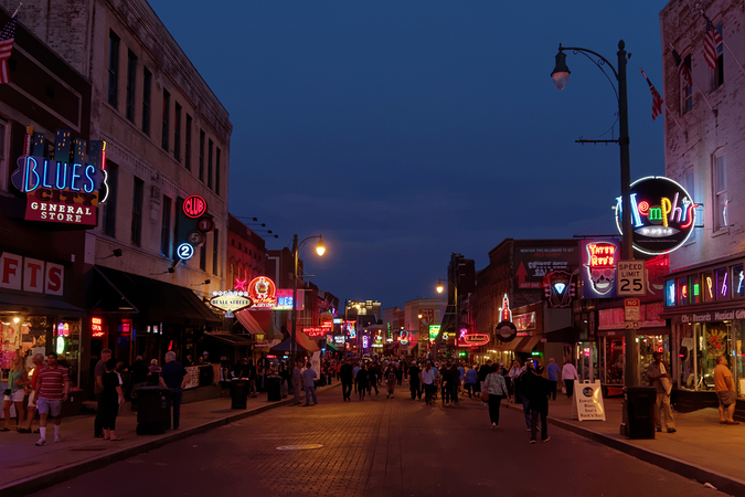 Famous Beale Street scene at night – the best of Memphis nightlife